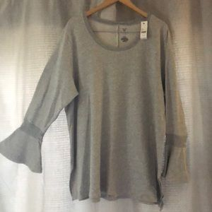 Lane Bryant Livi Active top. (Size 26/28)